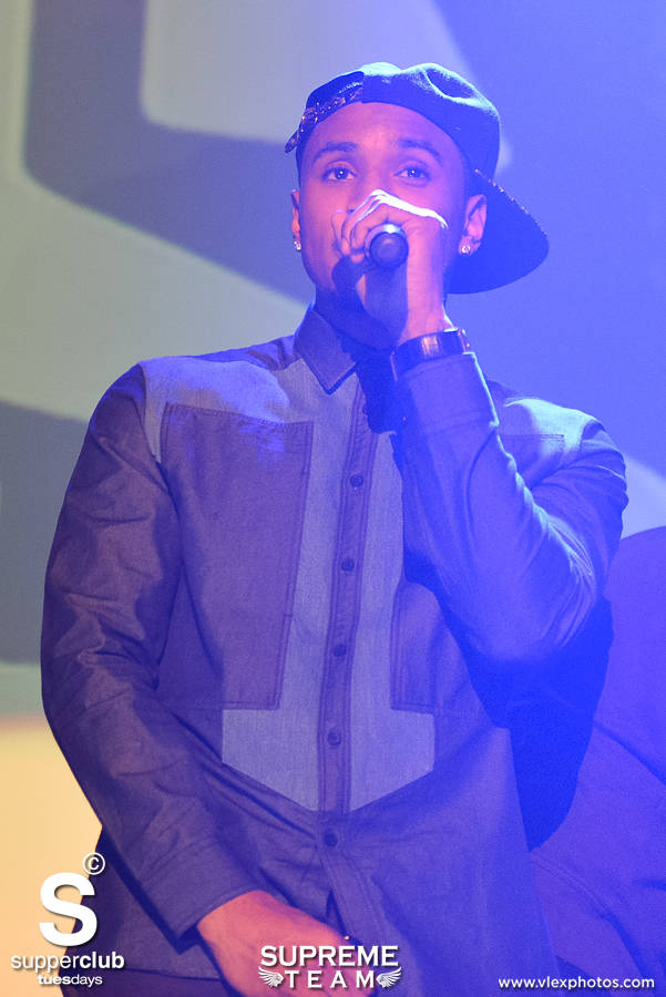 Trey Songz breaks it down for the ladies at Supperclub Hollywood.
