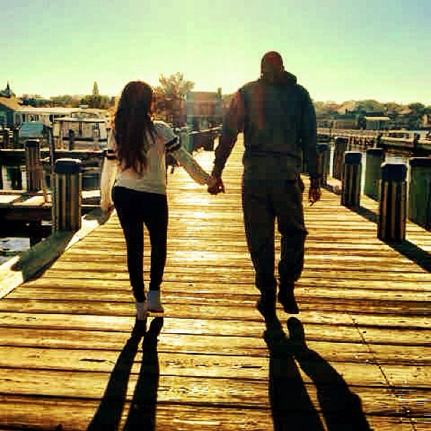 Awww! LaLa & Melo walk off into the sunset.