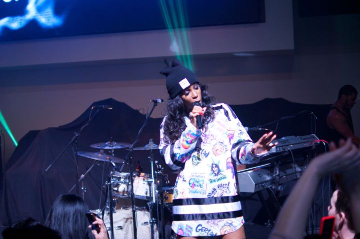 Kelly Rowland took the stage in a cute jersey outfit and Opening Ceremony hat.
