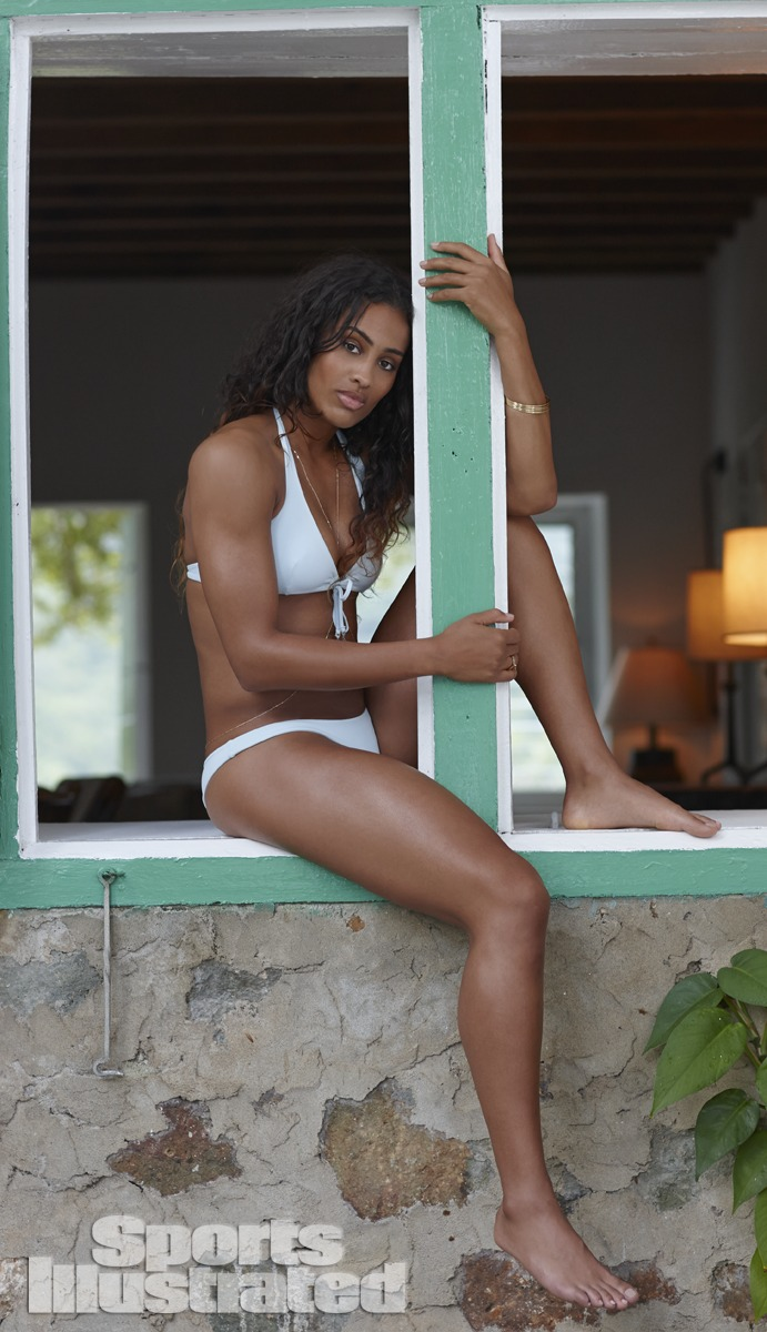 Skylar shows off her bikini body for S.I.'s 50th Anniversary Swimsuit issue.