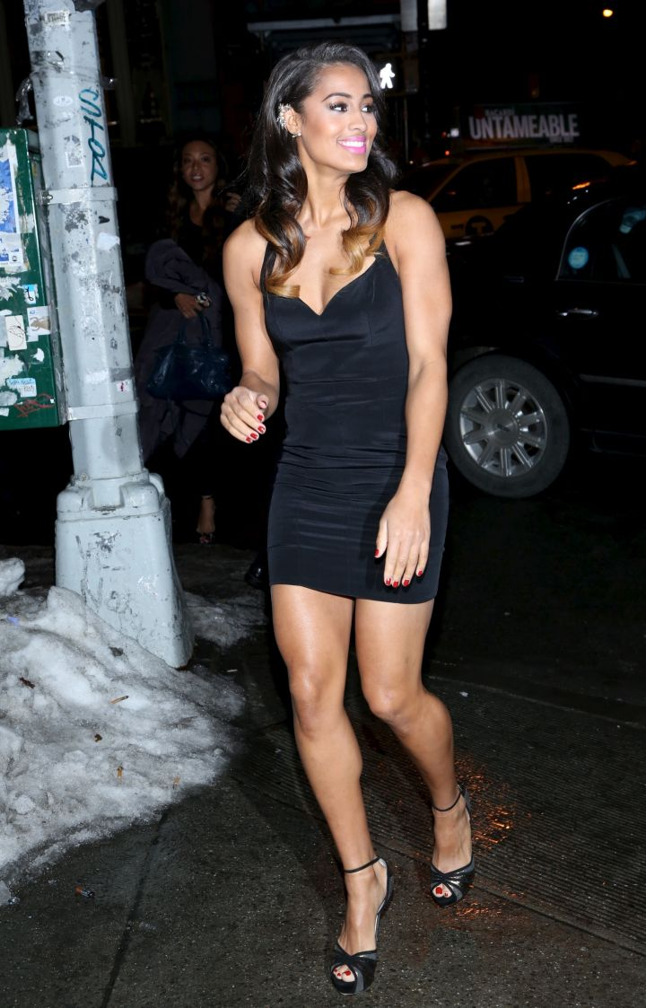 Skylar looked super sexy in a sleek black dress while celebrating at the Sports Illustrated Swimsuit Beach House.