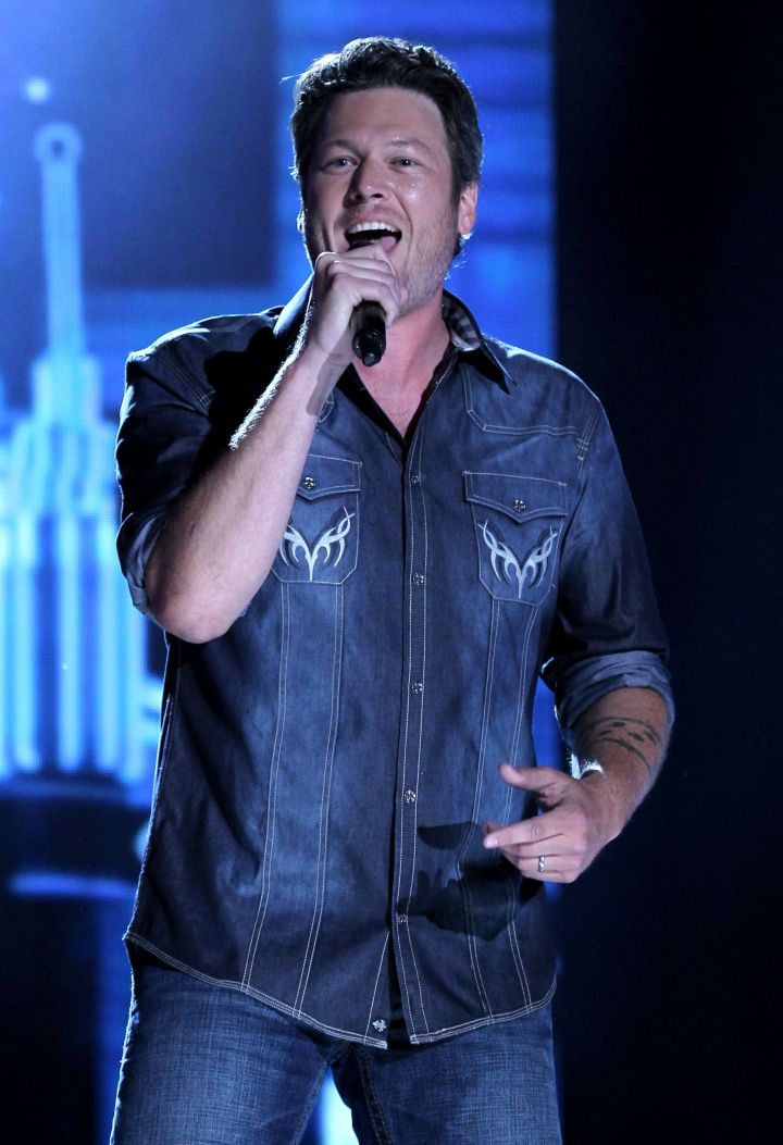 Blake Shelton is super hot when he's doing what he loves…