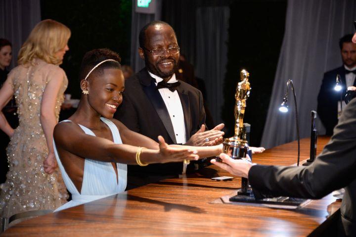 lupita nyongo 2014 oscars winner after party
