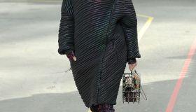 kendall jenner walking chanel runway show paris fashion week