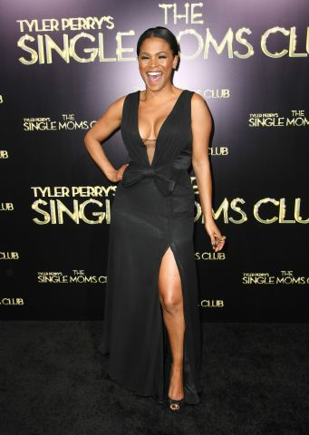 nia long the single moms club tyler perry red carpet