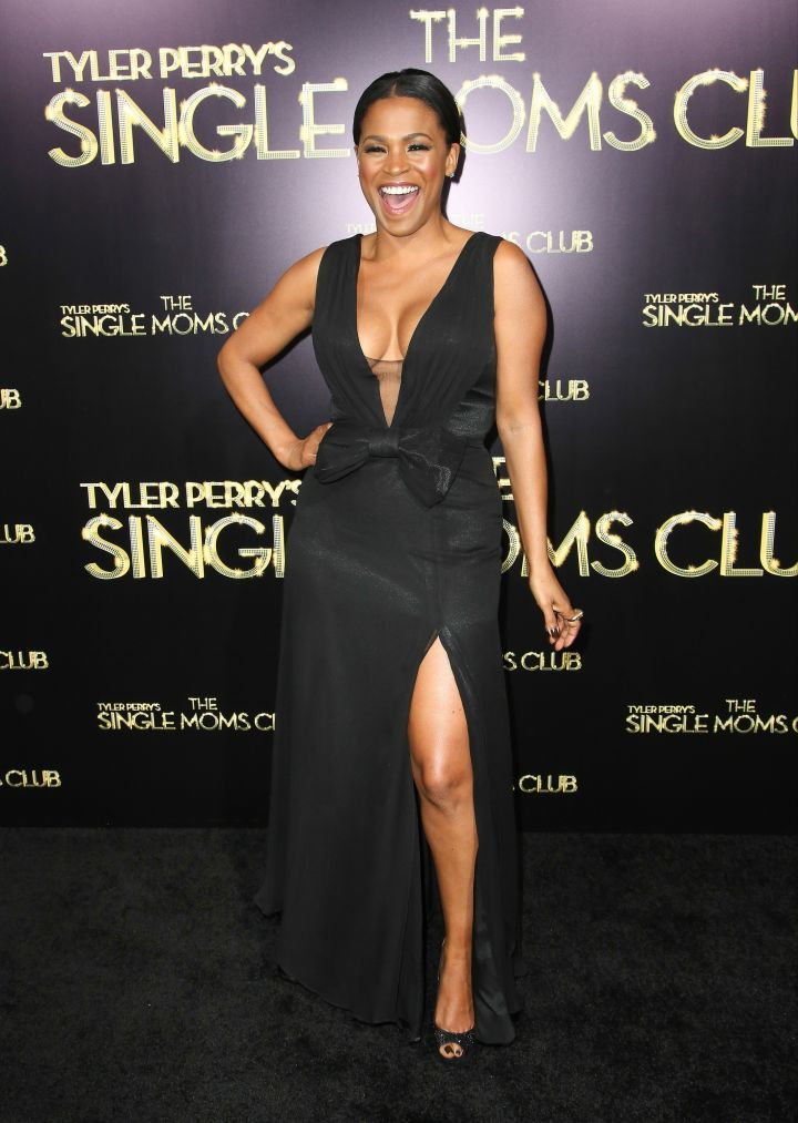Nia Long dazzles as she bares some boobage in all black.