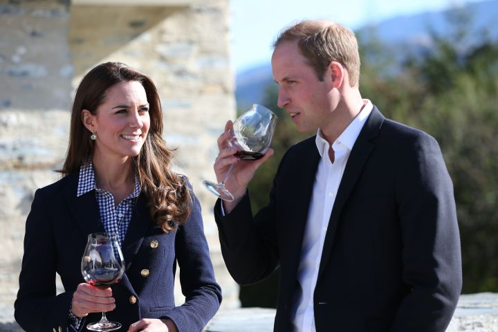 Prince William & Kate Middleton tour a winery in New Zealand.