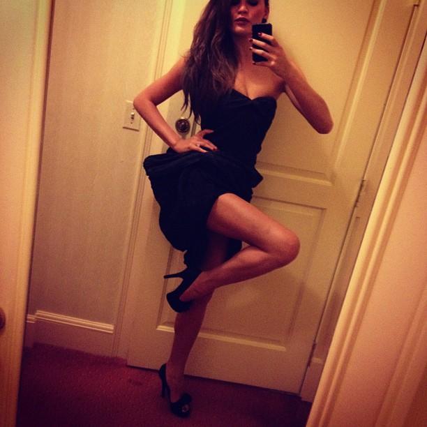 Chrissy Teigen shows off a whole lotta leg.