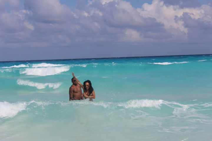 Here's Orlando Scandrick being the luckiest man in the world in Cancun.