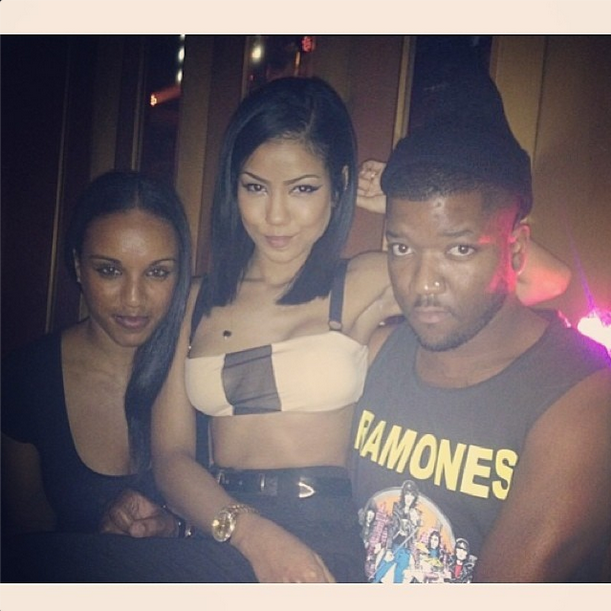 Sexy Jhene posts up with her friends!