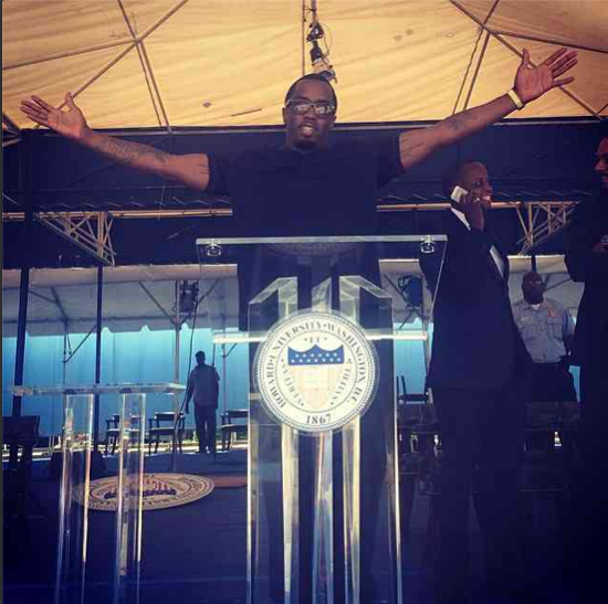 Diddy preps before his big speech at Howard!