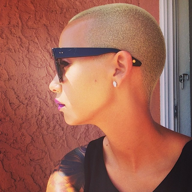 Muva's profile view is flawless.