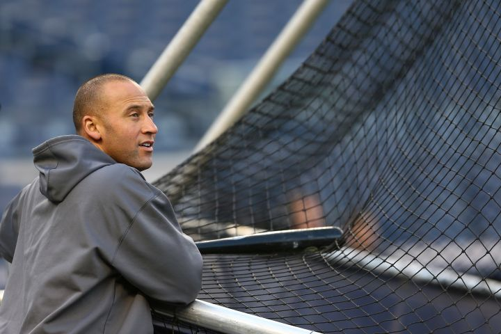 Whether he's rockin' pinstripes or sweats, this is one hot 40-year-old.