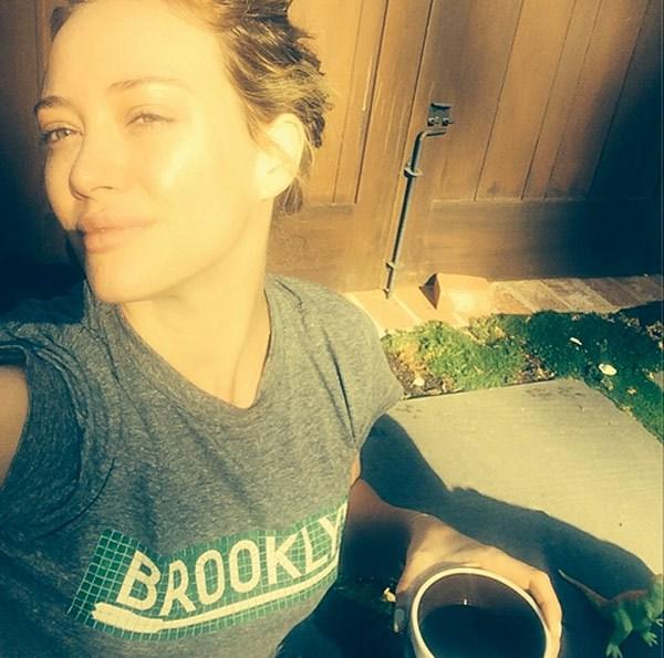 Hilary Duff #WokeupLikeThis.