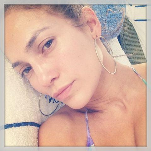 JLO Jennifer Lopez no makeup selfie instagram