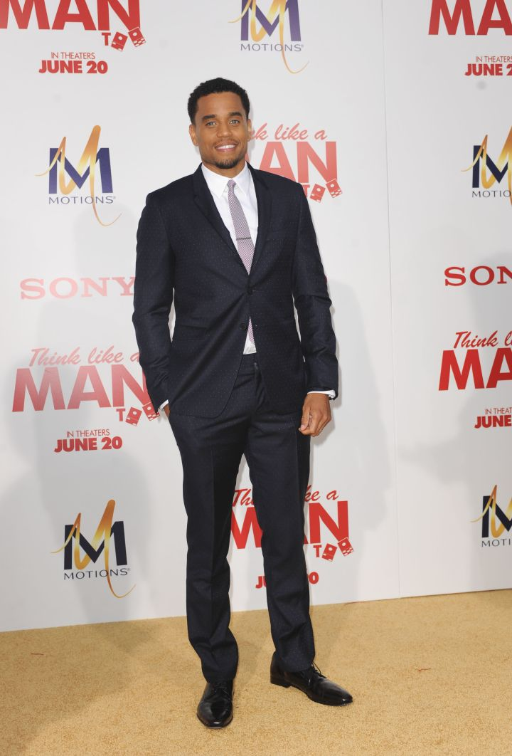 Michael Ealy was on his suit & tie ish, looking deliciously dapper for the evening.