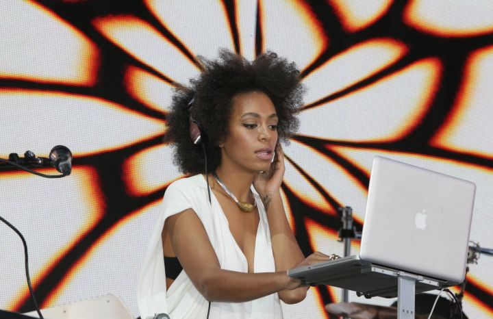 Solange's free spirit peaked with her new, short do.