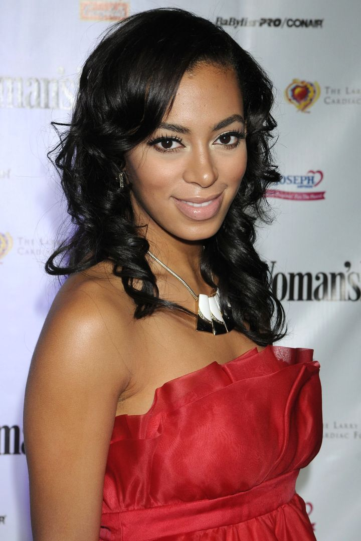 Solange went for a more sophisticated look with these bouncy curls.
