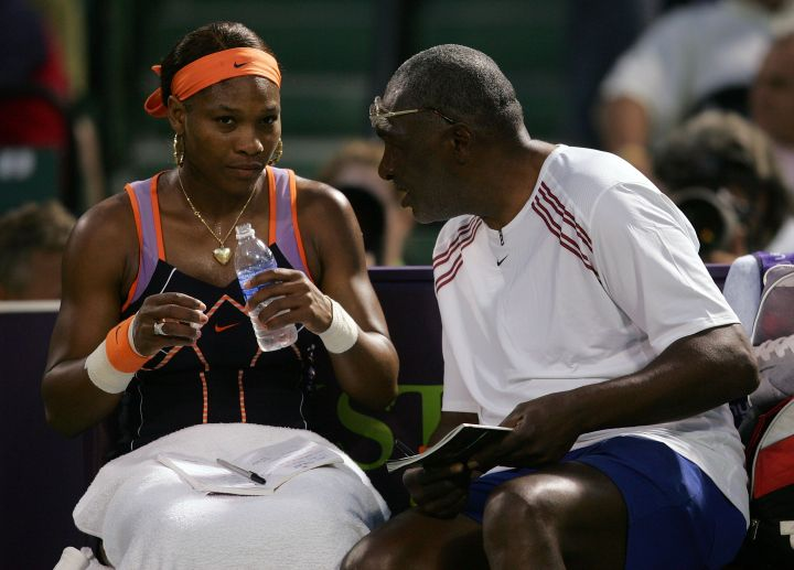 Serena gets a pep talk from pops in 2007.