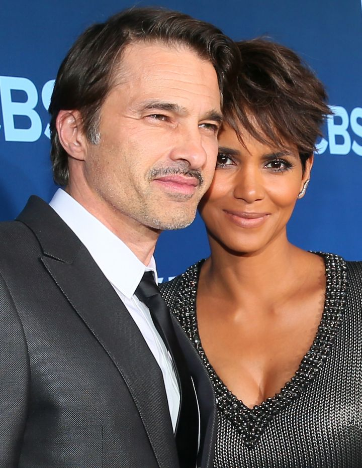 """Halle Berry met her hubby Olivier Martinez while filming """"Dark Tide"""" together."""
