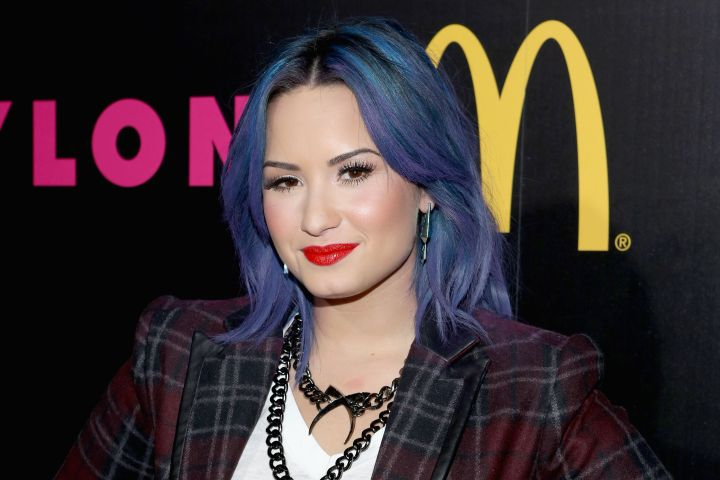 No one does it better than Demi in blue.