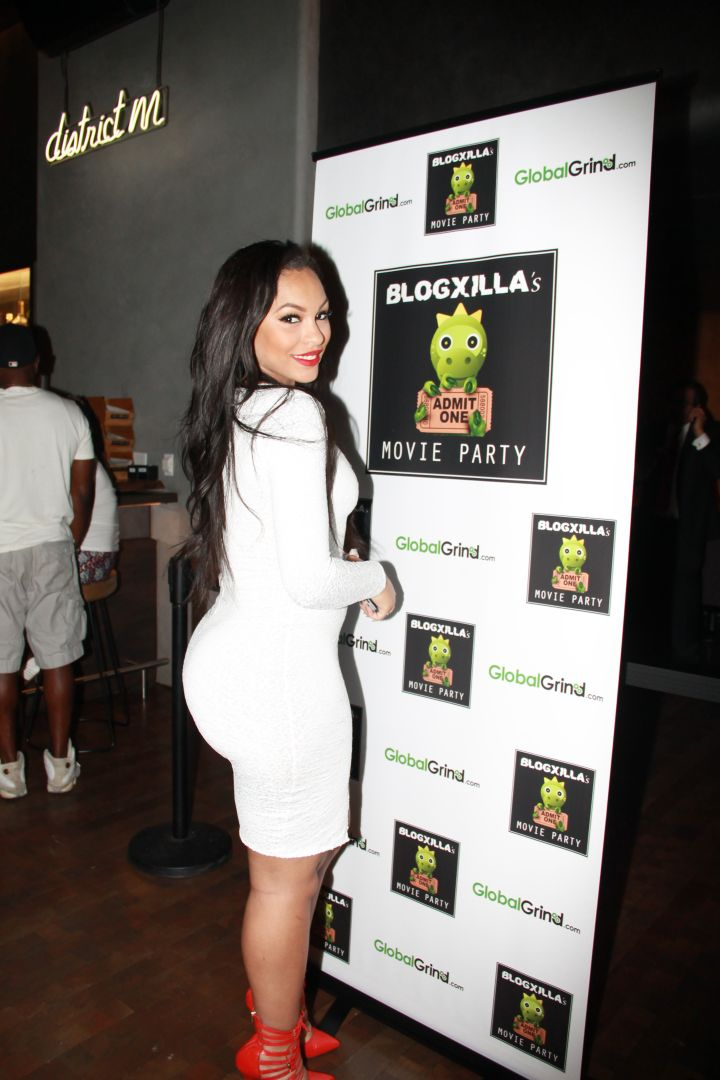 Model Yoncee at the BlogXilla Movie Party.