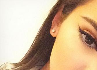 Kendall Jenner shows off her makeup job