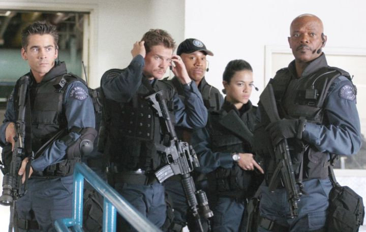 A still from the movie SWAT.