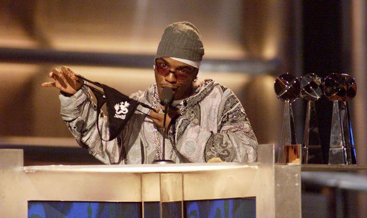 Sisqo & The Thong Accepting His Award At The Billboard Awards.
