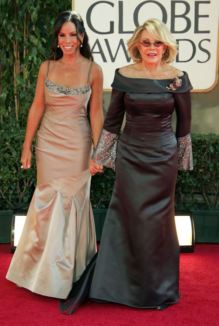 Joan and Melissa never miss an opportunity to take a red carpet together. Here they are at the 2007 Golden Globes.
