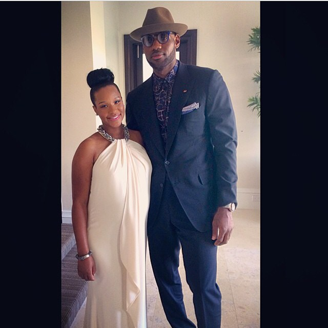 The stylish pair head to Dwyane Wade's wedding.