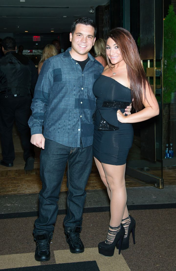 """Deena hits up Empire Hotel in NYC for the """"VH1 Couples Therapy"""" bash."""