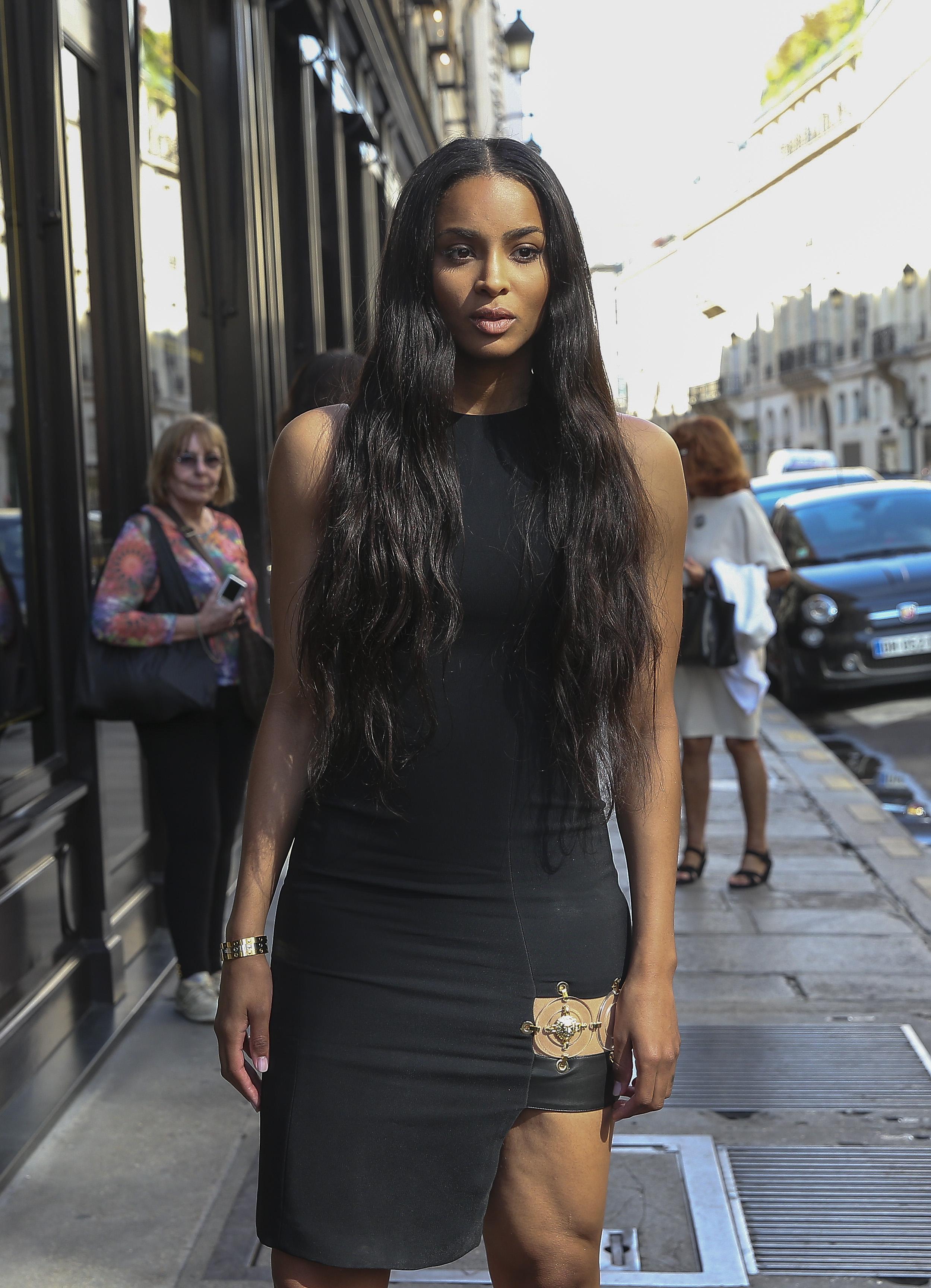 Ciara strolling rue Saint-Honore in Paris