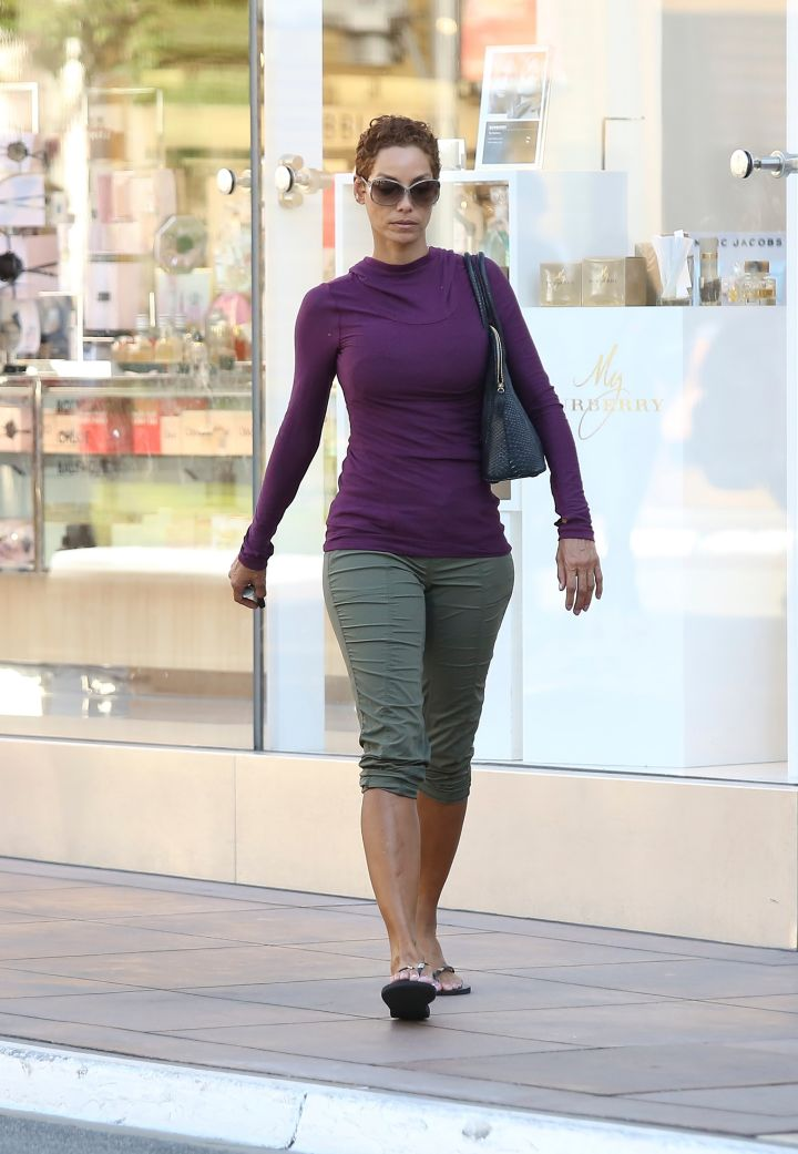 Nicole Murphy hit The Grove for some shopping with one of her friends.