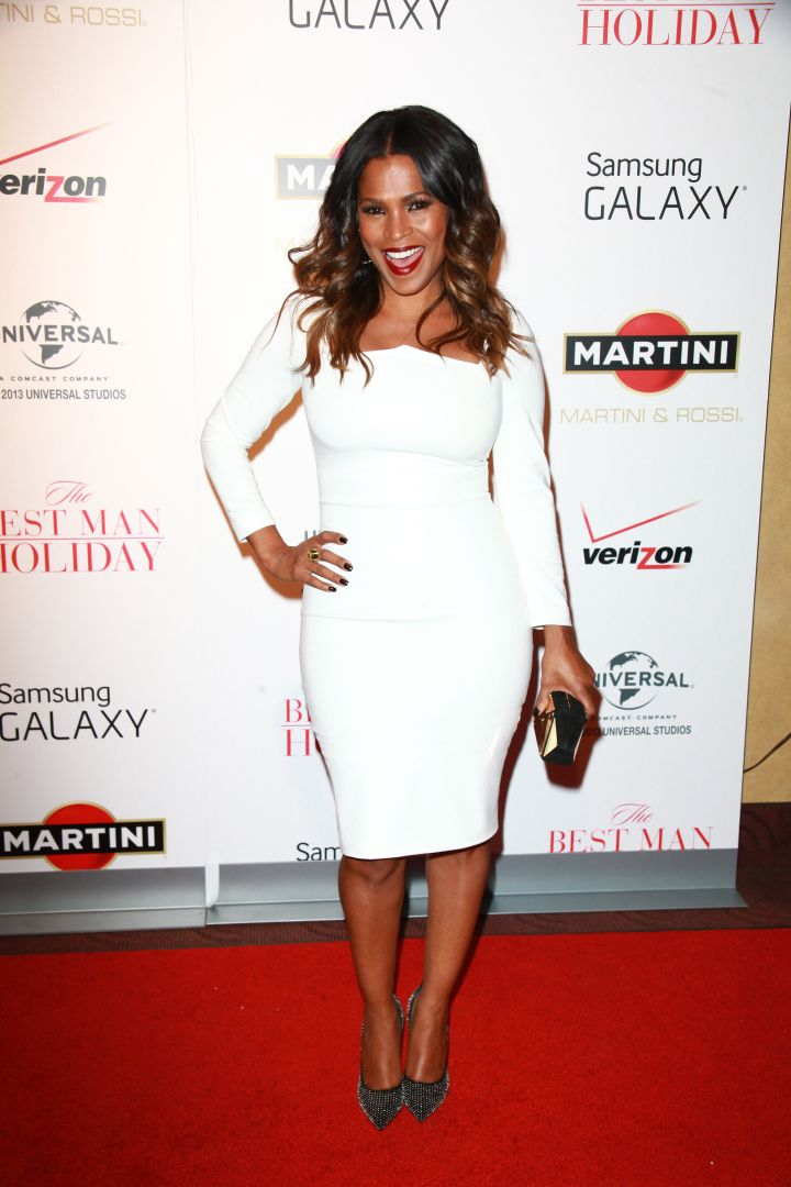 Nia Long and her million dollar smile stun in all white.
