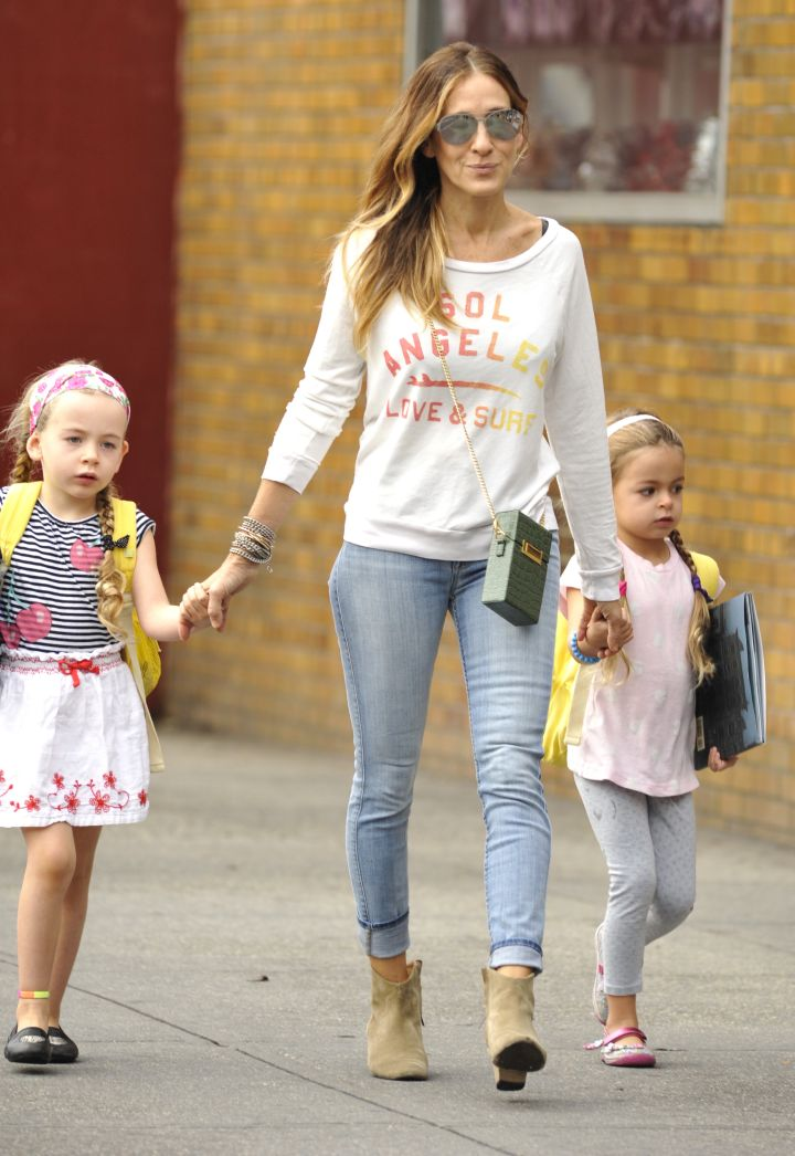 Sarah Jessica Parker and her twin daughters Tabitha and Marion Broderick head to school after a long weekend.