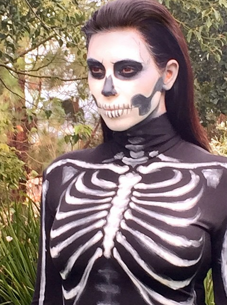 Kim Kardashian shows off her skeleton details.