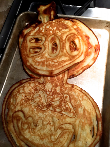 The Carters obviously love Halloween – check out these adorable and delicious spooky pancakes.