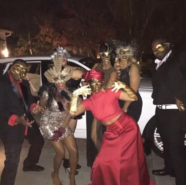 LisaRaye poses it up with some friends outside.
