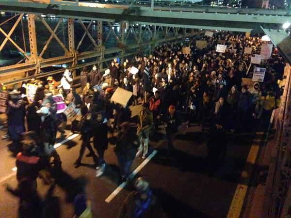 The Brooklyn Bridge gets shut down by protestors.
