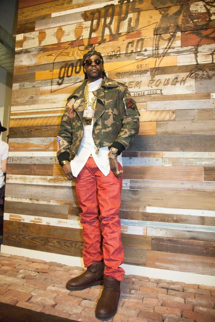 2 Chainz Getting His Model On.