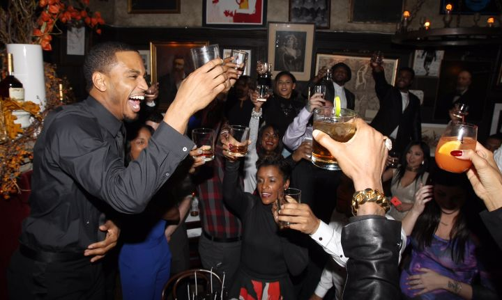 Trey Songz got very turned up while toasting with Hennessy V.S. at his 30th birthday dinner last night.