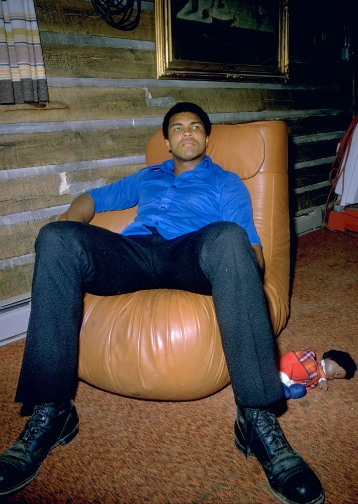 Muhammad Ali of the USA relaxes at home in Deer Lake, Pennsylvania, USA.