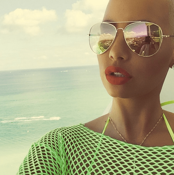 Amber Rose takes a gorgeous selfie.