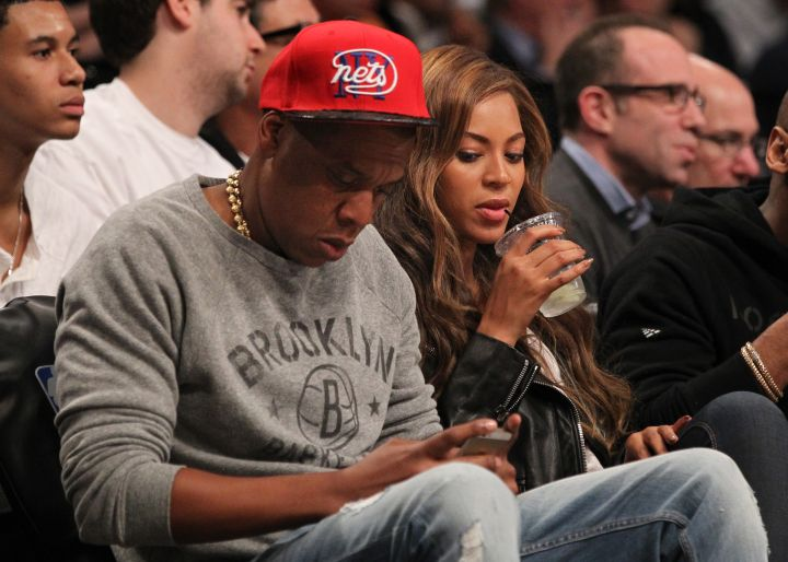 And she was caught peeping her hubby's texts…