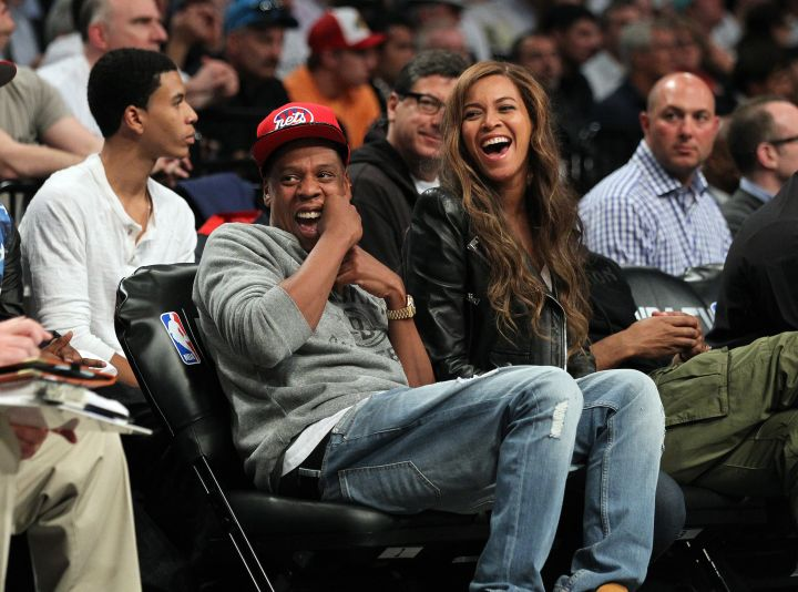 That moment Beyonce laughs uncontrollably at a courtside joke being played on Jay Z's former arch nemesis, Drake.