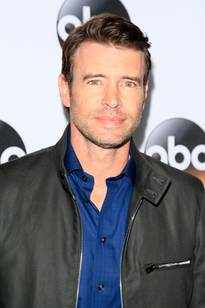 Brown-eyed hunk Scott Foley was his usually sexy self on the red carpet for The Disney and ABC Television Group's TCA Winter Press Tour Party.