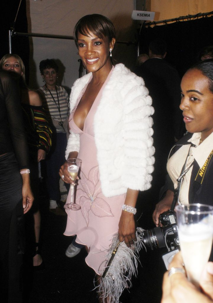 Ms. Vivica A. Fox looked classy with her glass.