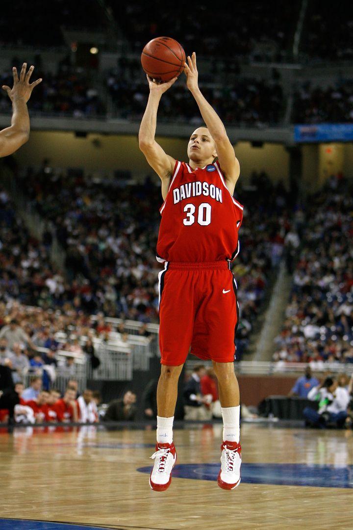 Mid major splash: Steph Curry, 2008.