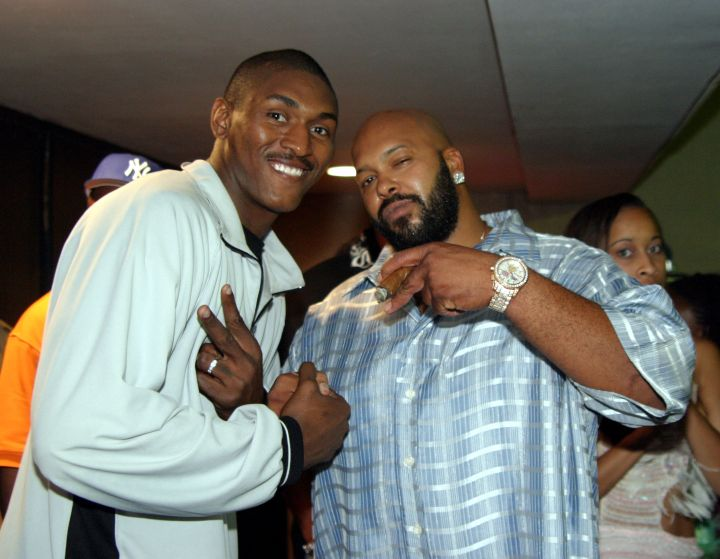 The ironic moment he and Metta World Peace–then Ron Artest–threw up peace signs.